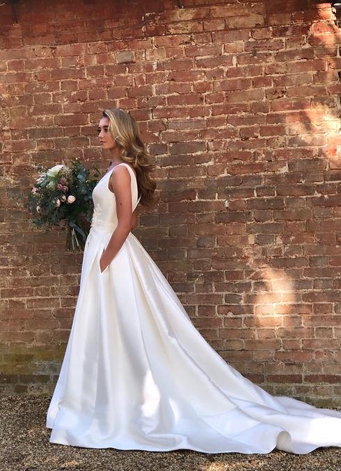 Classic and elegant bridal waves