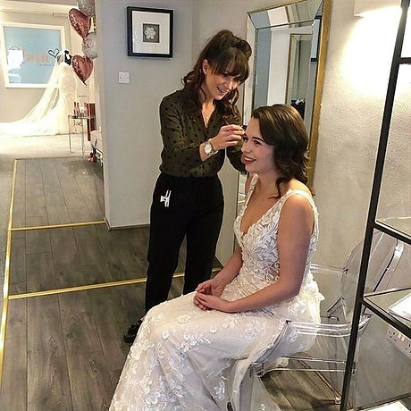 Posted%20_withrepost%20%E2%80%A2%20_katrinakelly_weddinghair%20Action%20shot%20from%20yesterday%2C%2