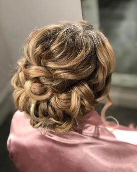 Romantic classic elegant bridal hair style cambridge