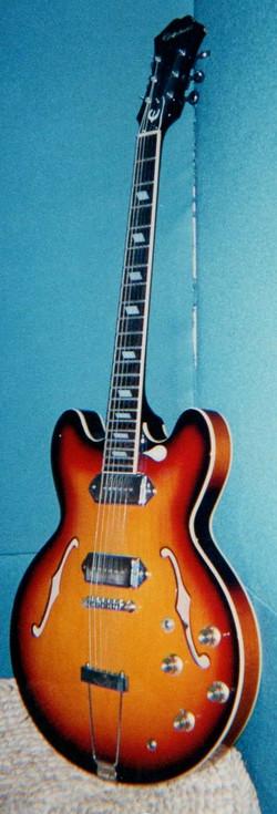 赤いギター_edited