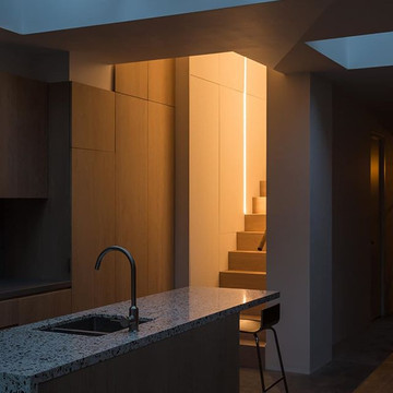 Strip Light, Family Townhouse