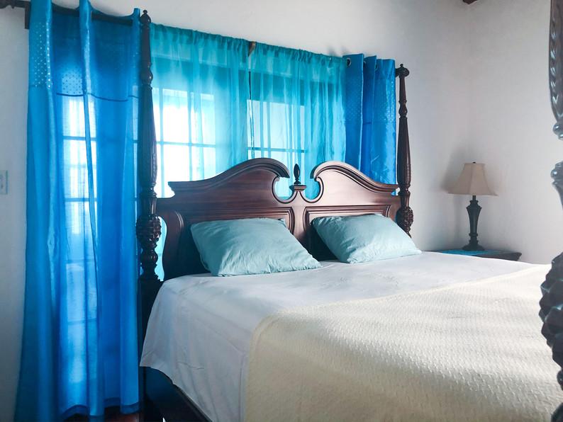Sunnybank Master bed 5.jpg