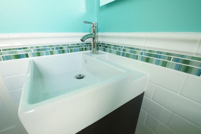 Lake Nokomis, Guest Bathroom #3