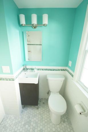Lake Nokomis, Guest Bathroom #1