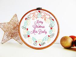 Christmas wreath 3 nw.JPG