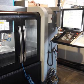 CNC obrábacie centrum HURCO VM10i