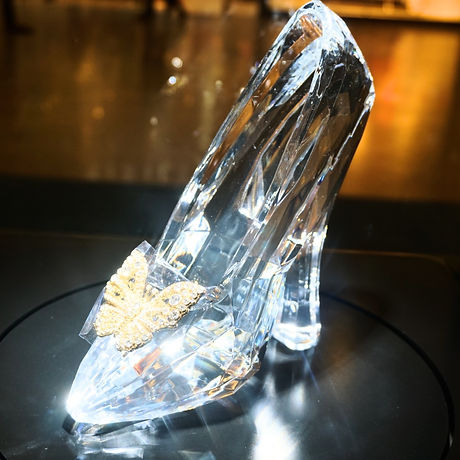 Cinderella_Glass_Slipper_(16936171941)-2