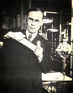 Wallace Carothers in nylon lab