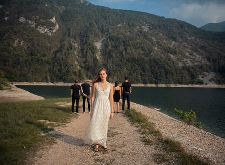Il videoclip musicale dei Some Are Echoes