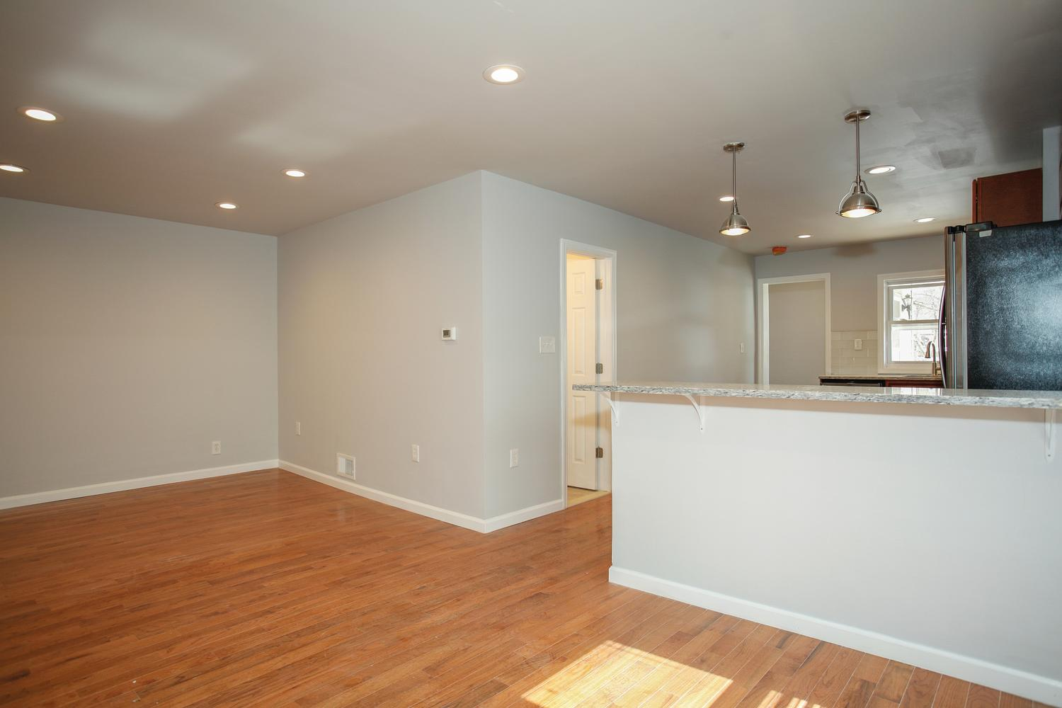 6600 Smith Ave North Bergen NJ-large-015-20-Living Room-1500x1000-72dpi