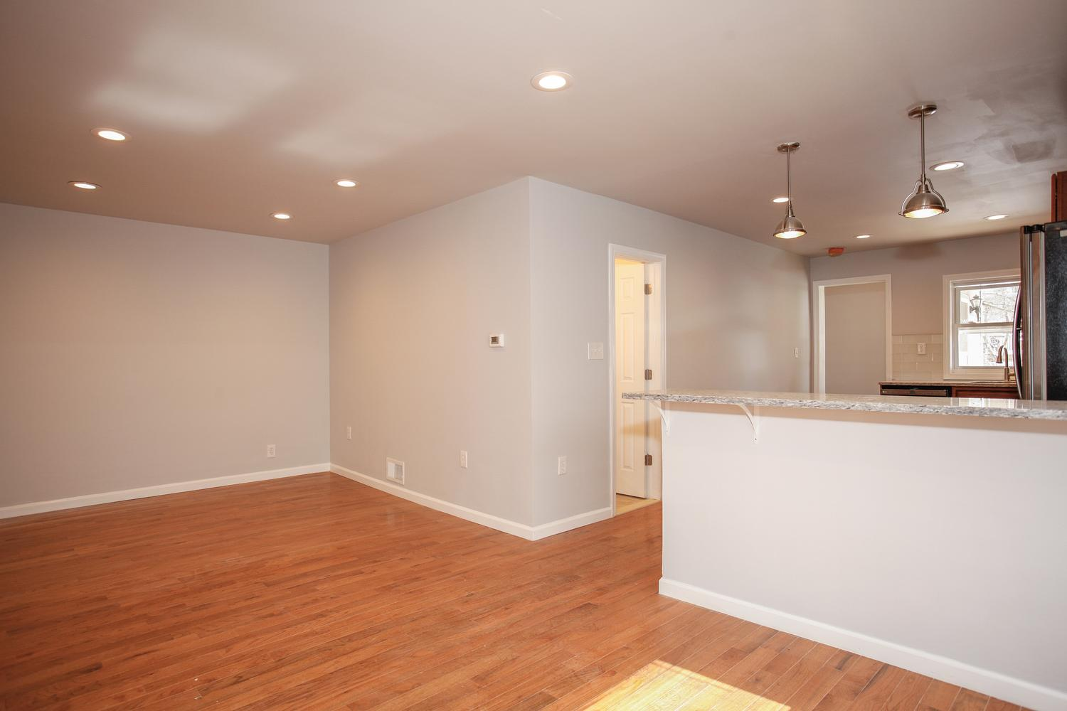 6600 Smith Ave North Bergen NJ-large-004-7-Living Room-1500x1000-72dpi