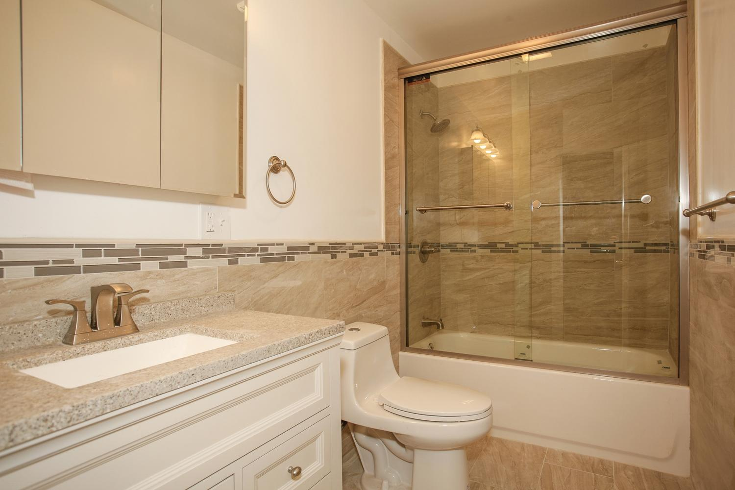 6600 Smith Ave North Bergen NJ-large-014-2-Bathroom-1500x1000-72dpi