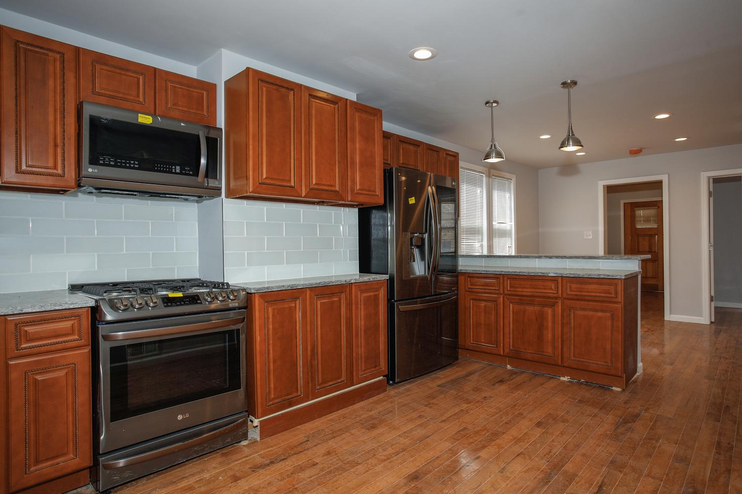 6600 Smith Ave North Bergen NJ-large-008-5-Kitchen-1500x1000-72dpi