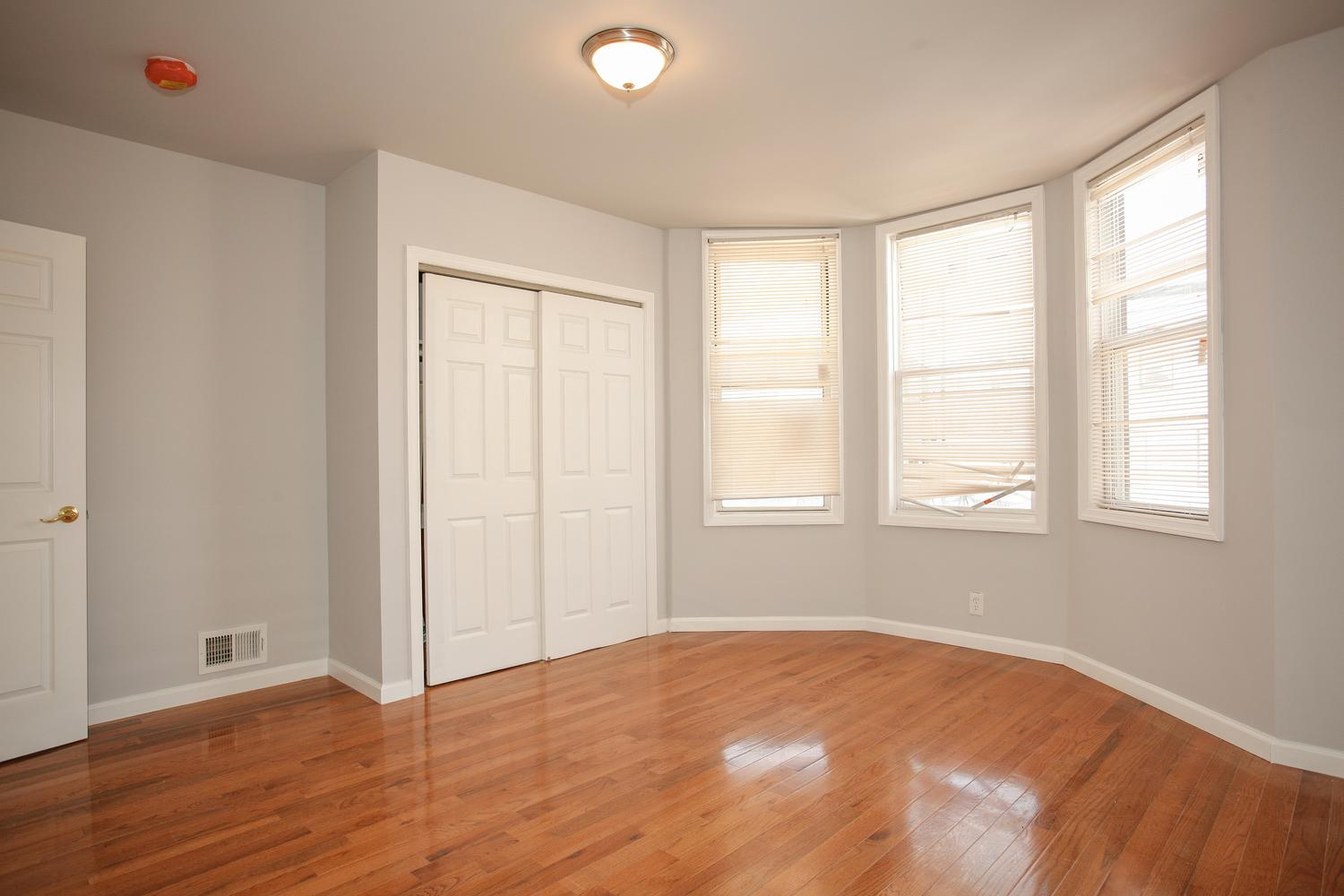 6600 Smith Ave North Bergen NJ-large-017-25-Master Bedroom-1500x1000-72dpi