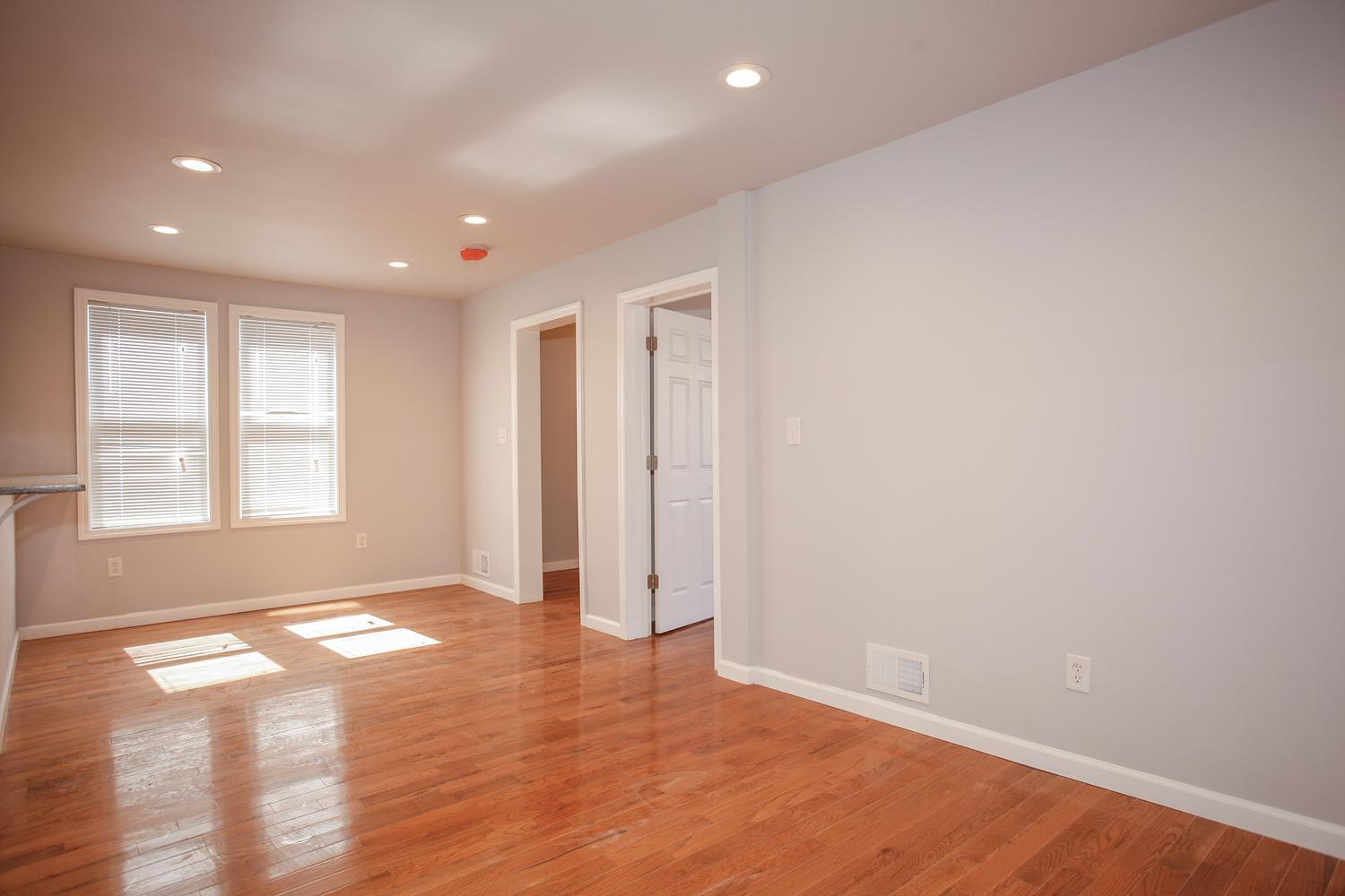 6600 Smith Ave North Bergen NJ-large-006-6-Living Room-1500x1000-72dpi