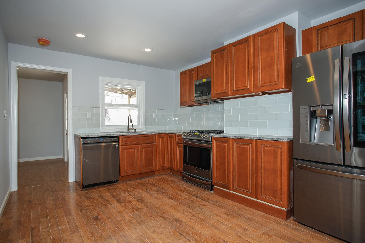 6600 Smith Ave North Bergen NJ-large-007-11-Kitchen-1500x1000-72dpi