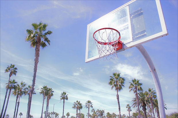 basketball-court-5710214_1920.jpg