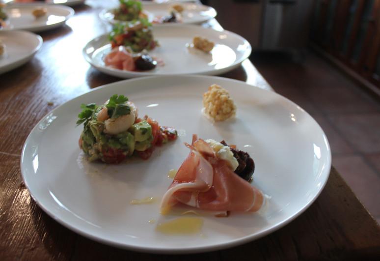 Avo tartare with prawn & gorgonzola with Proscuitto & truffle honey