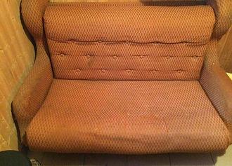Перетяжка выкатного дивана в Тюмени