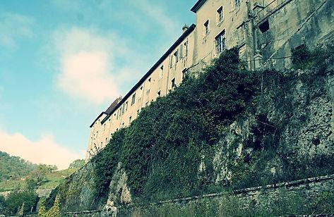 Accord de pierre-Monastère de Sélignac-cordiste-travaux en hauteur-monument historique-patrimoine