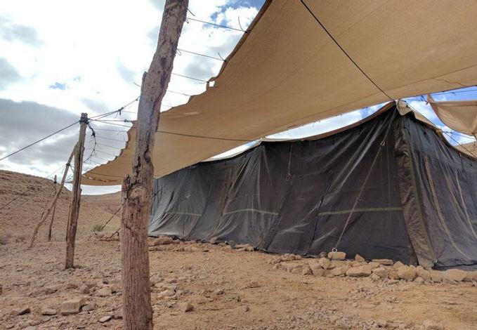 האוהל - הזולה