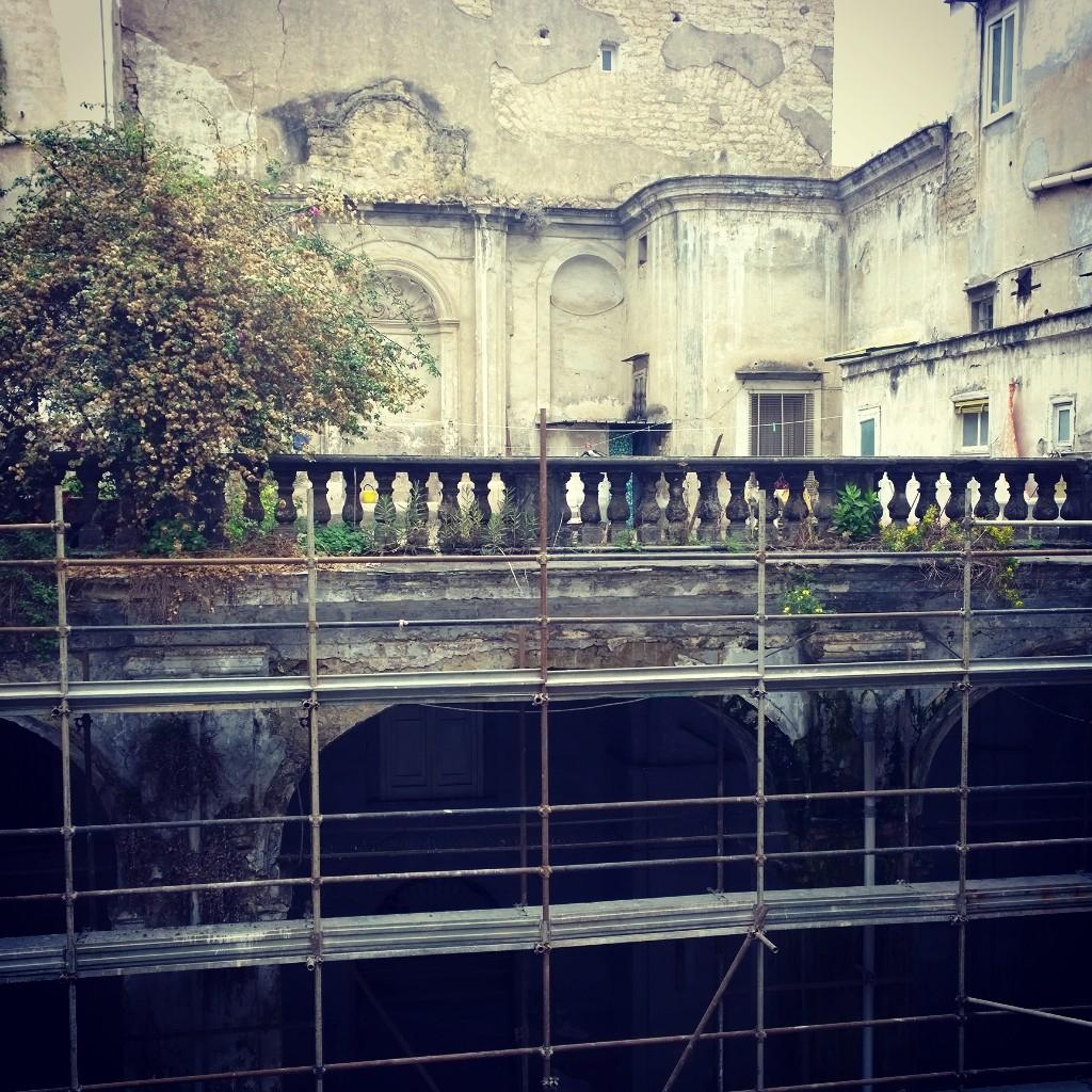 Il terrazzo prima del restauro