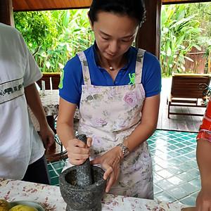 Ms.Caryn Lok