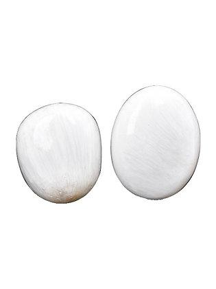 Scolecite Palm Stone