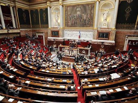 Covid-19 : Le Parlement adopte définitivement le projet de loi sur l'extension du pass sanitaire