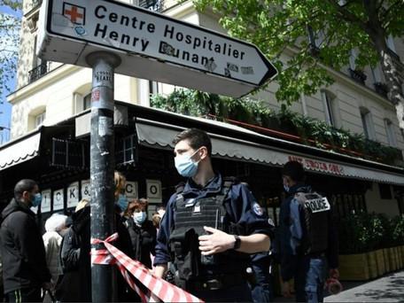Un mort par balle et une personne blessée à Paris 16ème devant l'hôpital Henry-Dunant