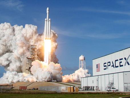SpaceX va envoyer quatre touristes dans l'espace en 2021 dont trois qui seront tirés au sort