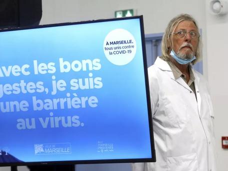 """Raoult : il """"encourage"""" la vaccination des soignants"""