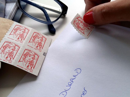 La Poste : le timbre rouge va vers sa mort ?