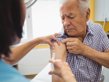 Les 65-74 ans, oubliés de la vaccination pour le moment, s'impatientent