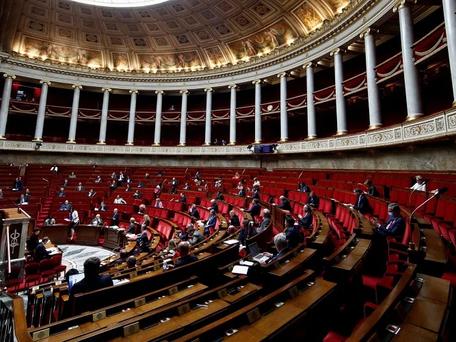 Pass sanitaire et obligation vaccinale : l'Assemblée vote le nouveau texte anti-Covid-19