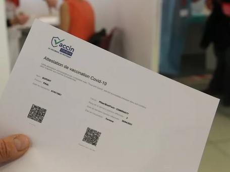 Covid-19 : une infirmière soupçonnée d'avoir établi de faux certificats de vaccination