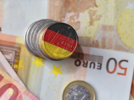 Allemagne : le revenu universel de 1 200€ par mois en test