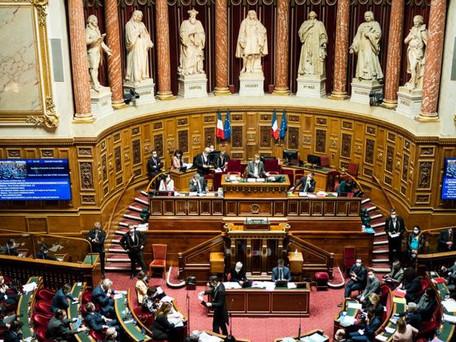 Pass sanitaire : le Sénat vote la loi en y apportant des modifications importantes