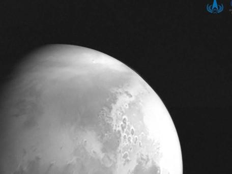 Mars : la sonde chinoise capture une première image