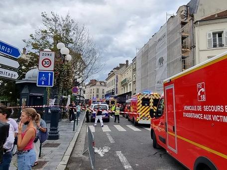Fontainebleau : une automobiliste fonce sur une terrasse en plein centre-ville