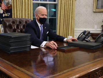 12 décrets pris par Trump annulés par le président Biden dès son arrivé