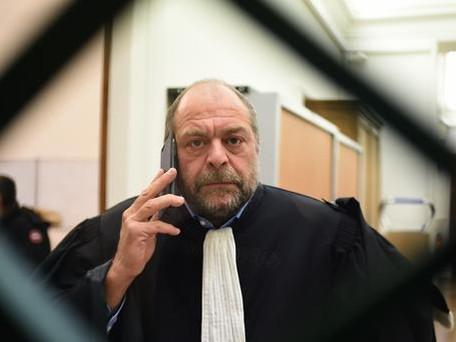 """Éric Dupond-Moretti: une perquisition à son domicile pour l'enquête sur """"prise illégale d'intérêts"""""""