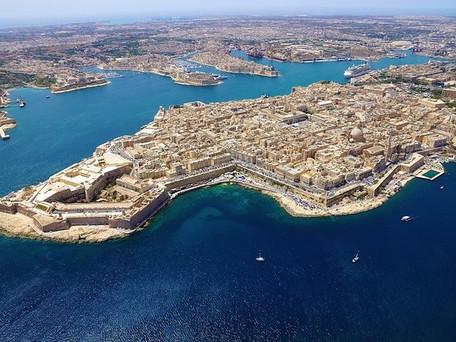 Vaccination obligatoire pour voyager à Malte, premier pays à le faire