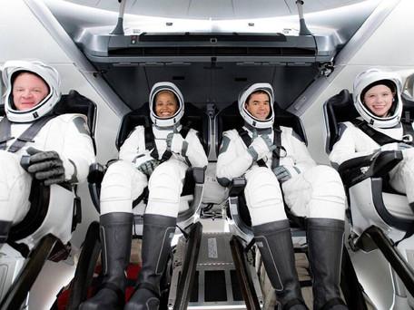 Espace : les quatre premiers touristes spatiaux de SpaceX ont amerri