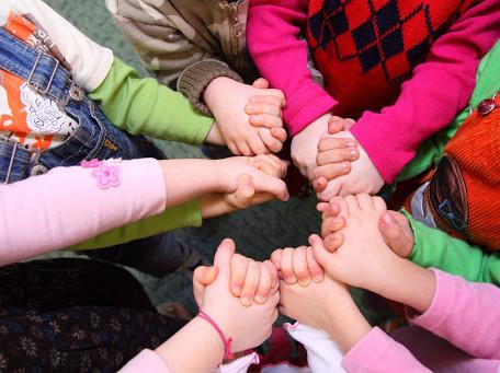 Cafouillage autour des assistantes maternelles pour la garde d'enfant