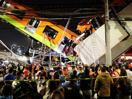 Mexique : un pont du métro aérien s' est effondré, avec au moins 20 morts et près de 70 blessés