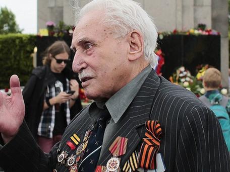 Auschwitz : Mort de David Dushman, dernier libérateur survivant du camp