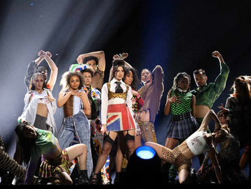 Dua Lipa sacrée au Brit Awards