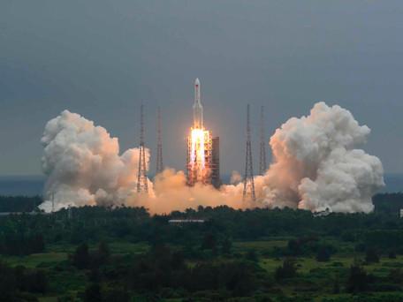 La fusée chinoise Longue-Marche 5 s'est désintégrée au-dessus de l'océan indien