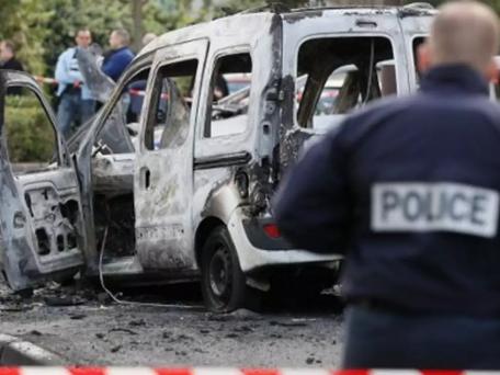 Affaire policiers brûlés à Viry-Châtillon: 5 jeunes condamnés à des peines de 6 à 18 ans,8 acquittés